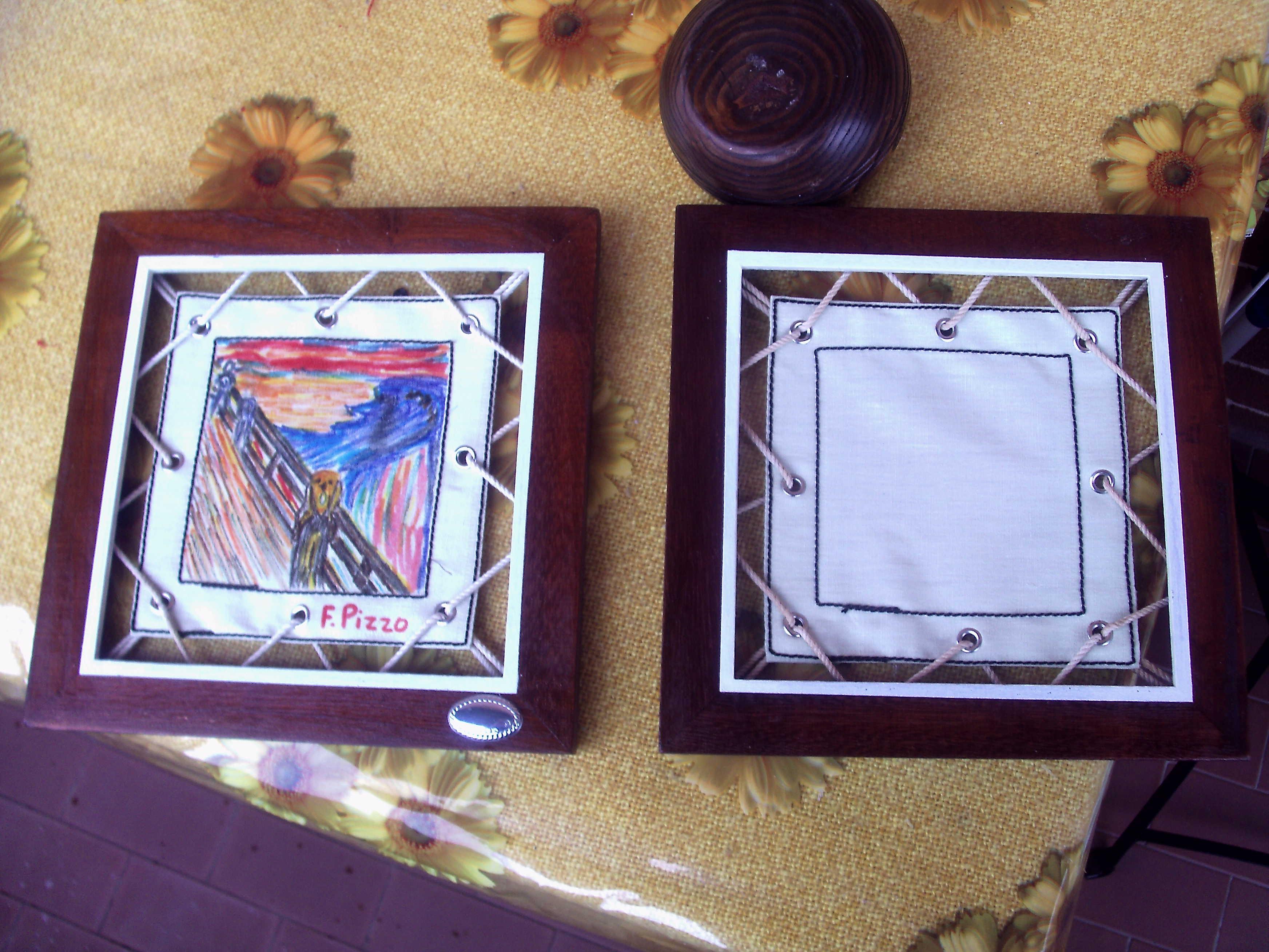 quadretto in cornice legno e tela da disegno ottimo anche x piccole stampe